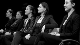 nőNYUGAT-km:Bíró Kriszta,Für Anikó,Hámori Gabi/Gryllus Dorka,Kerekes Viktória,Lázár Kati és Szalai András cimbalom